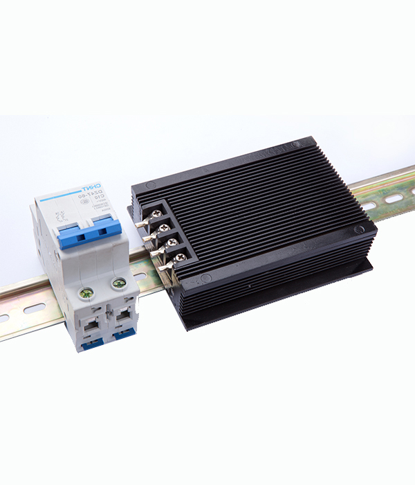 导轨式安装线性电源